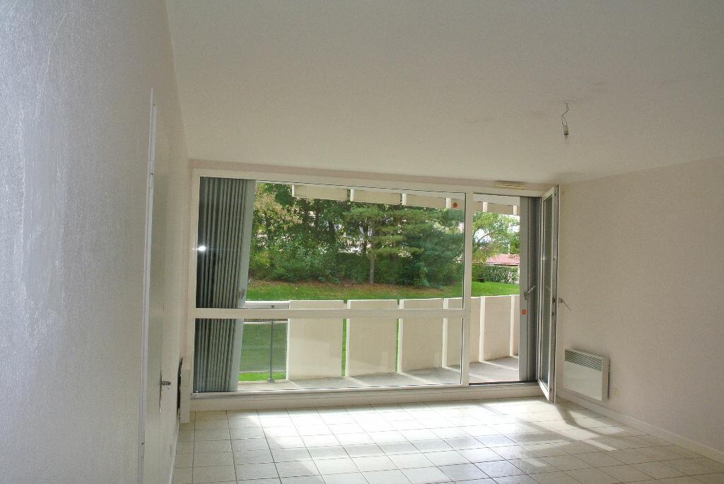 Location Appartement 4 pièces à Montluçon - vignette-4