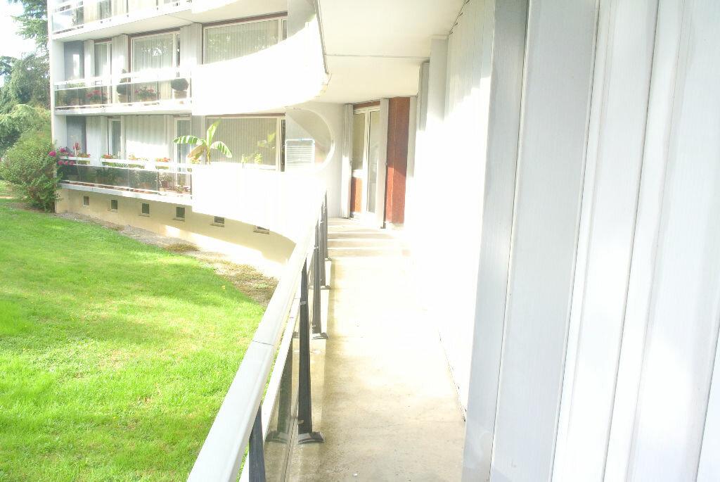 Location Appartement 4 pièces à Montluçon - vignette-8