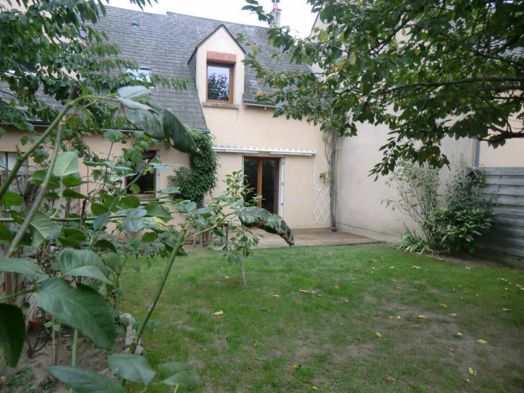 Achat Maison 5 pièces à Saint-Denis-en-Val - vignette-1