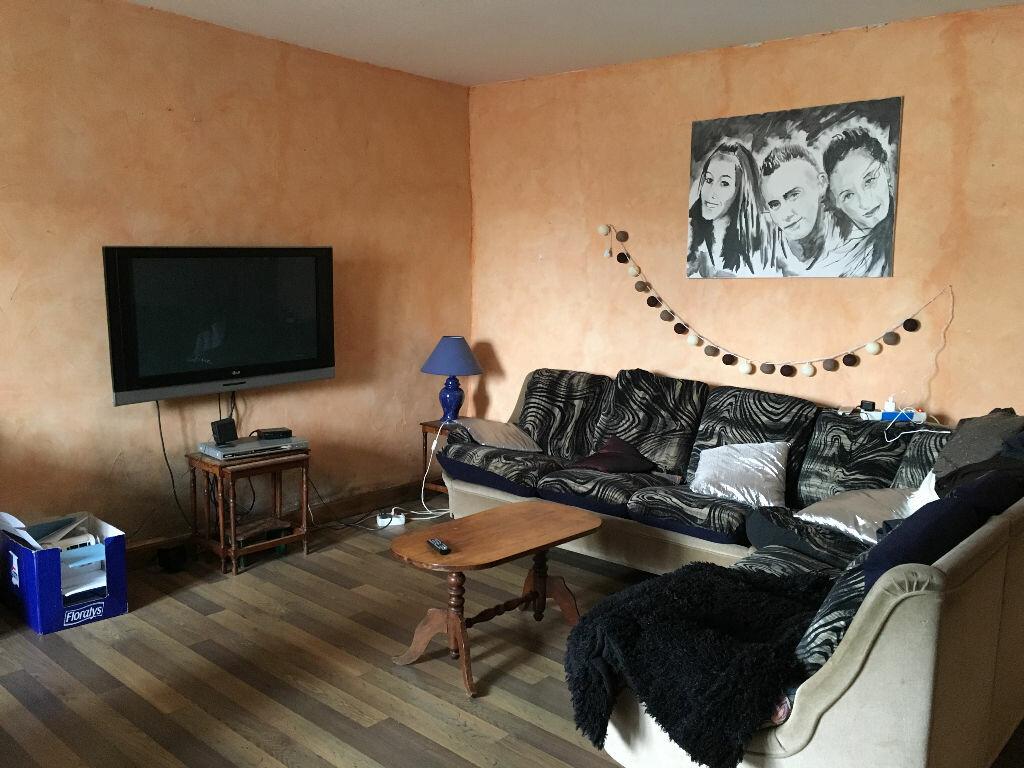 Achat Maison 5 pièces à Guillonville - vignette-1