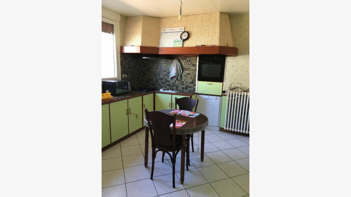 Achat Maison 4 pièces à Bazoches-en-Dunois - vignette-3
