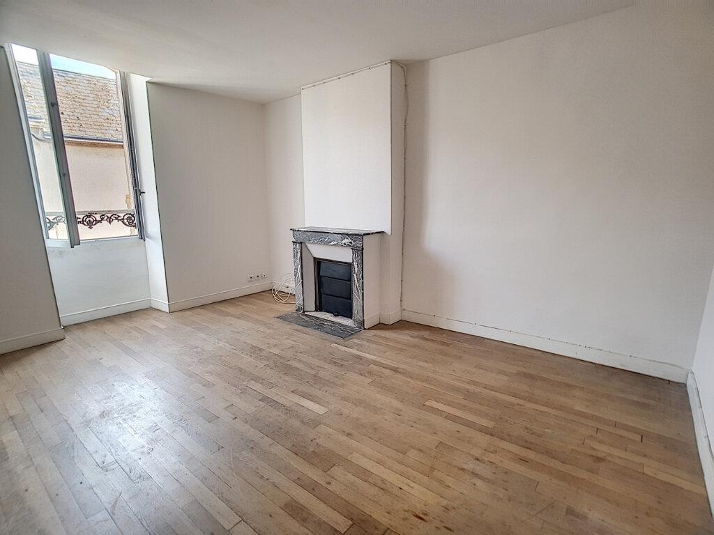 Location Appartement 3 pièces à Toury - vignette-2