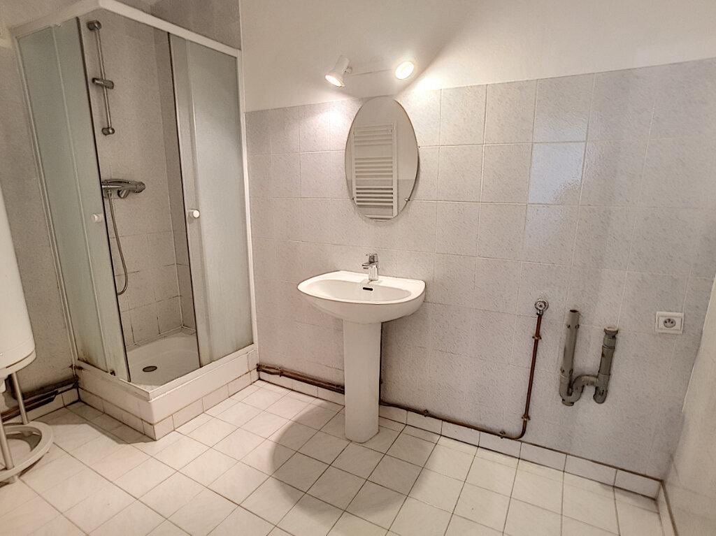 Location Appartement 3 pièces à Toury - vignette-5