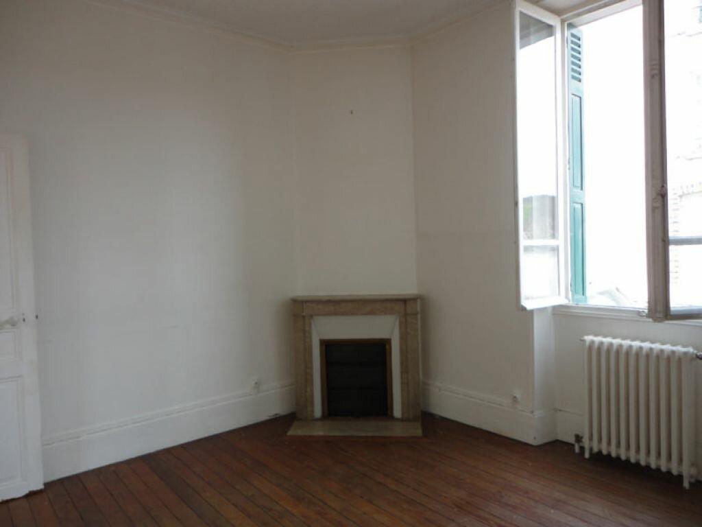 Location Appartement 3 pièces à Malesherbes - vignette-1