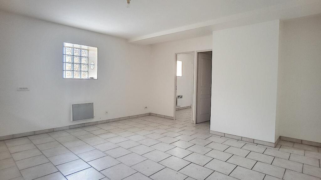 Location Appartement 2 pièces à Coudray - vignette-1
