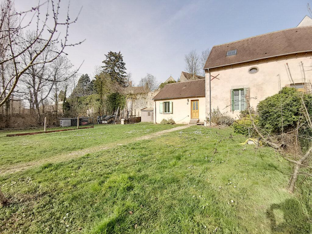 Location Maison 4 pièces à Ferrières-en-Gâtinais - vignette-1
