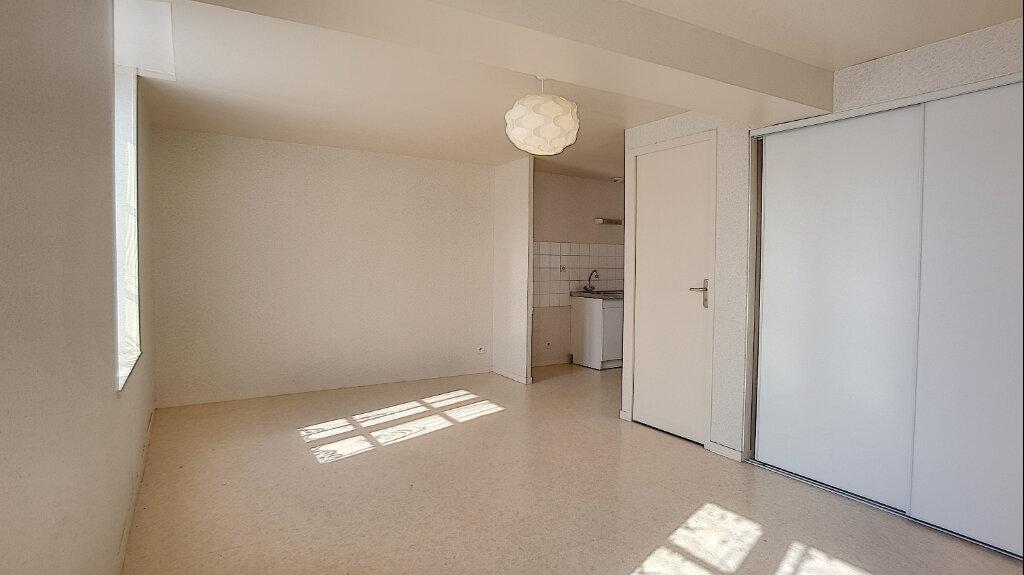 Location Appartement 2 pièces à Bellegarde - vignette-1