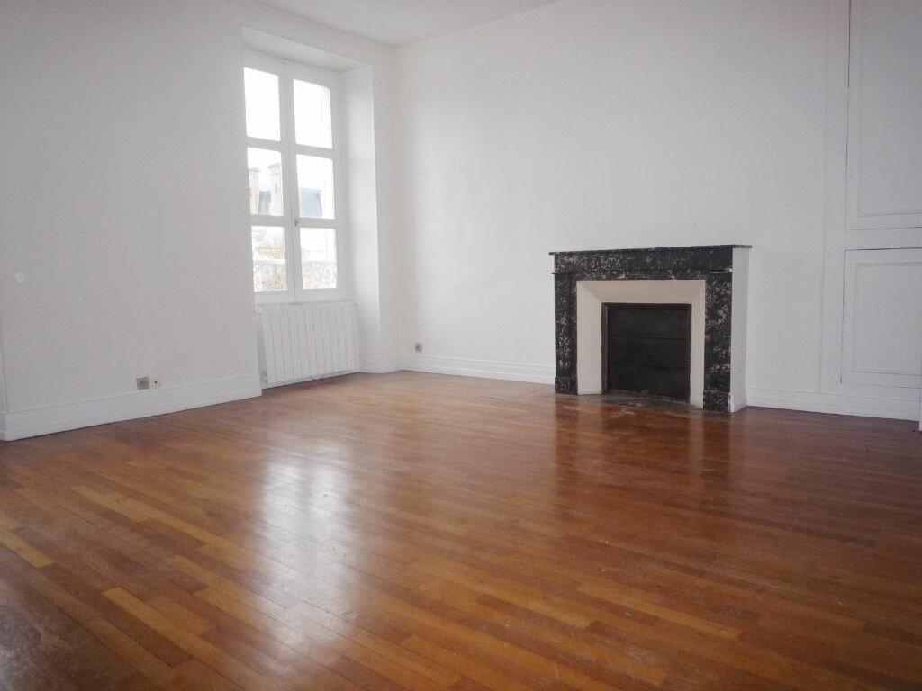 Location Appartement 4 pièces à Pithiviers - vignette-1