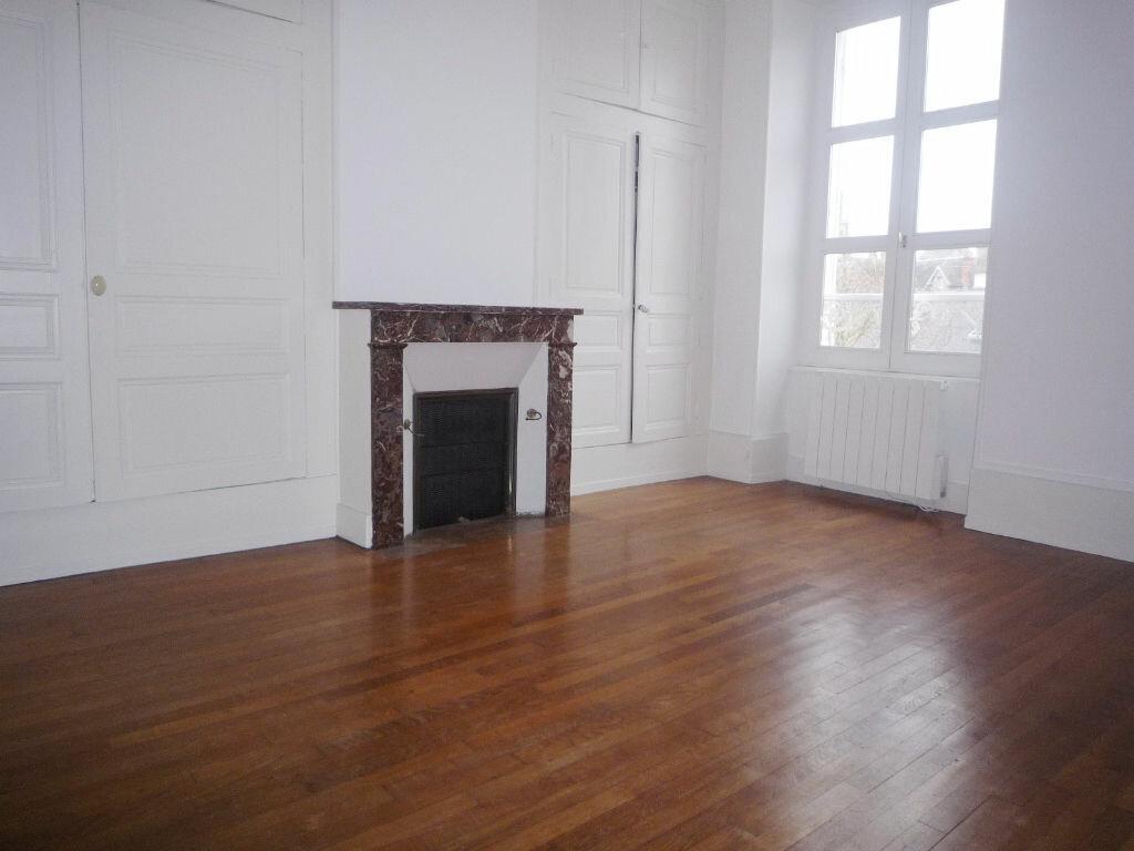 Location Appartement 4 pièces à Pithiviers - vignette-4