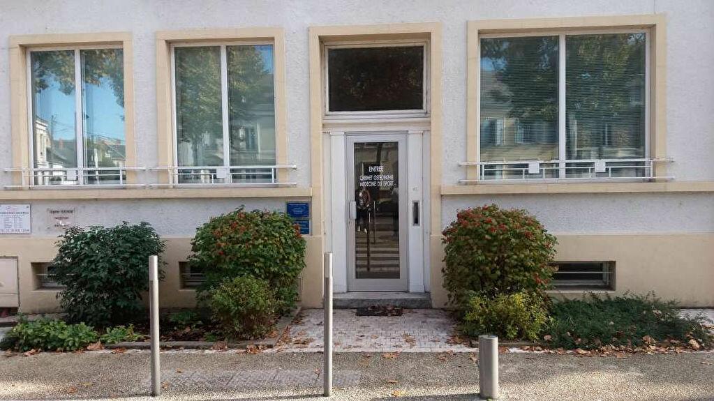 Location Bureaux  à Montargis - vignette-1