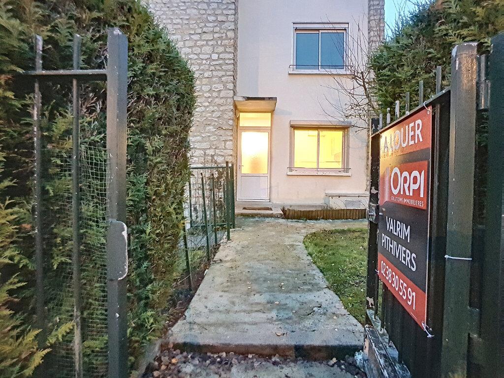 Location Appartement 4 pièces à Malesherbes - vignette-1