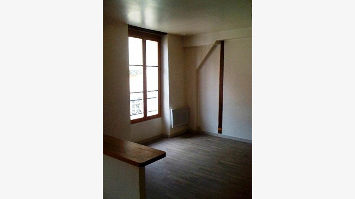 Location Appartement 2 pièces à Ferrières-en-Gâtinais - vignette-1