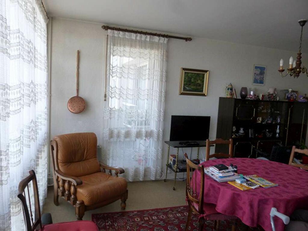 Achat Appartement 4 pièces à Montargis - vignette-6