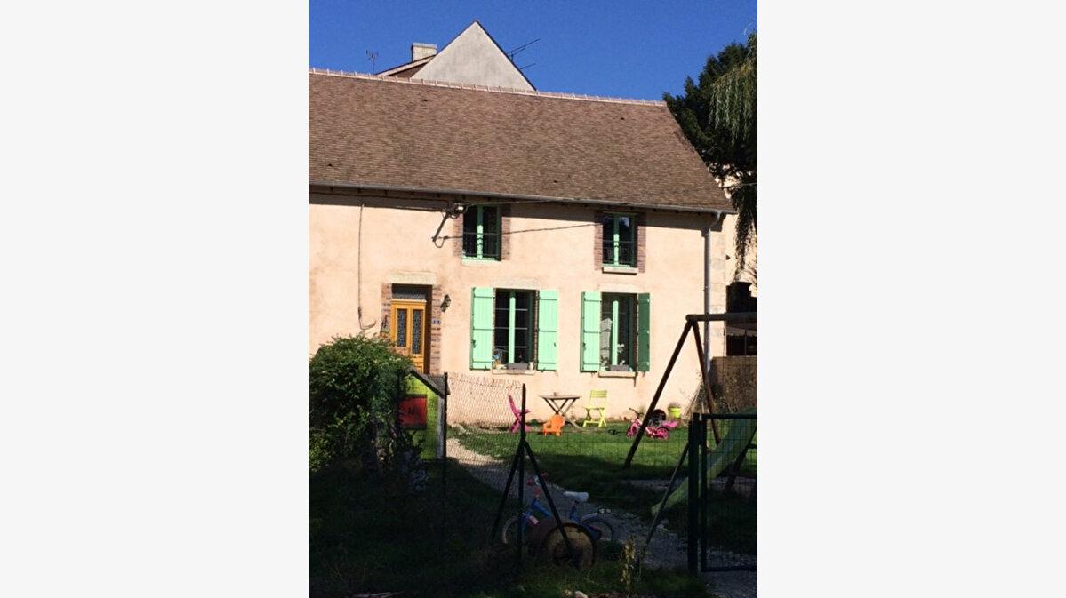 Location Maison 3 pièces à Ferrières-en-Gâtinais - vignette-1