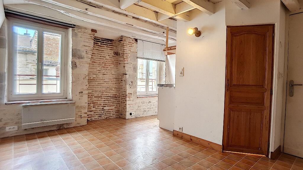 Location Appartement 1 pièce à Pithiviers - vignette-2