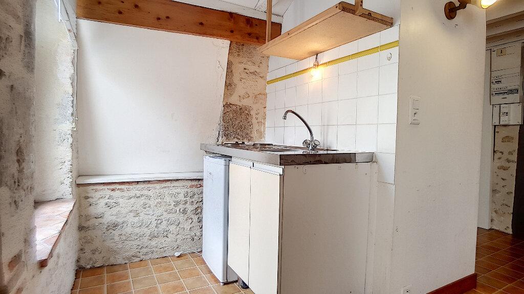 Location Appartement 1 pièce à Pithiviers - vignette-3
