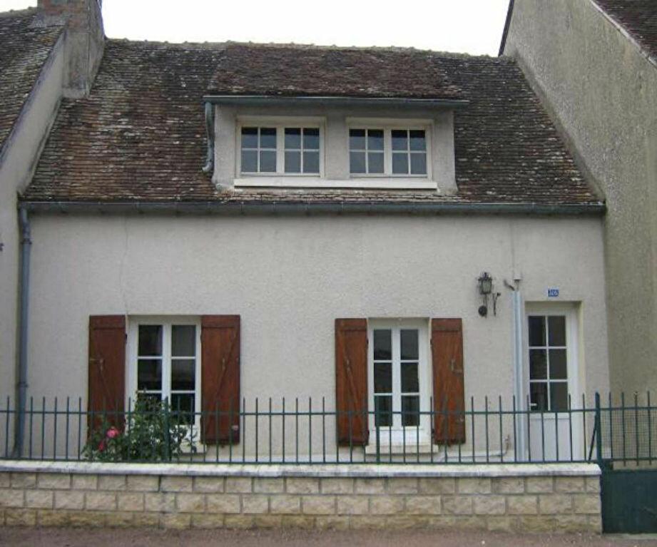 Location Maison 3 pièces à Gy-les-Nonains - vignette-1