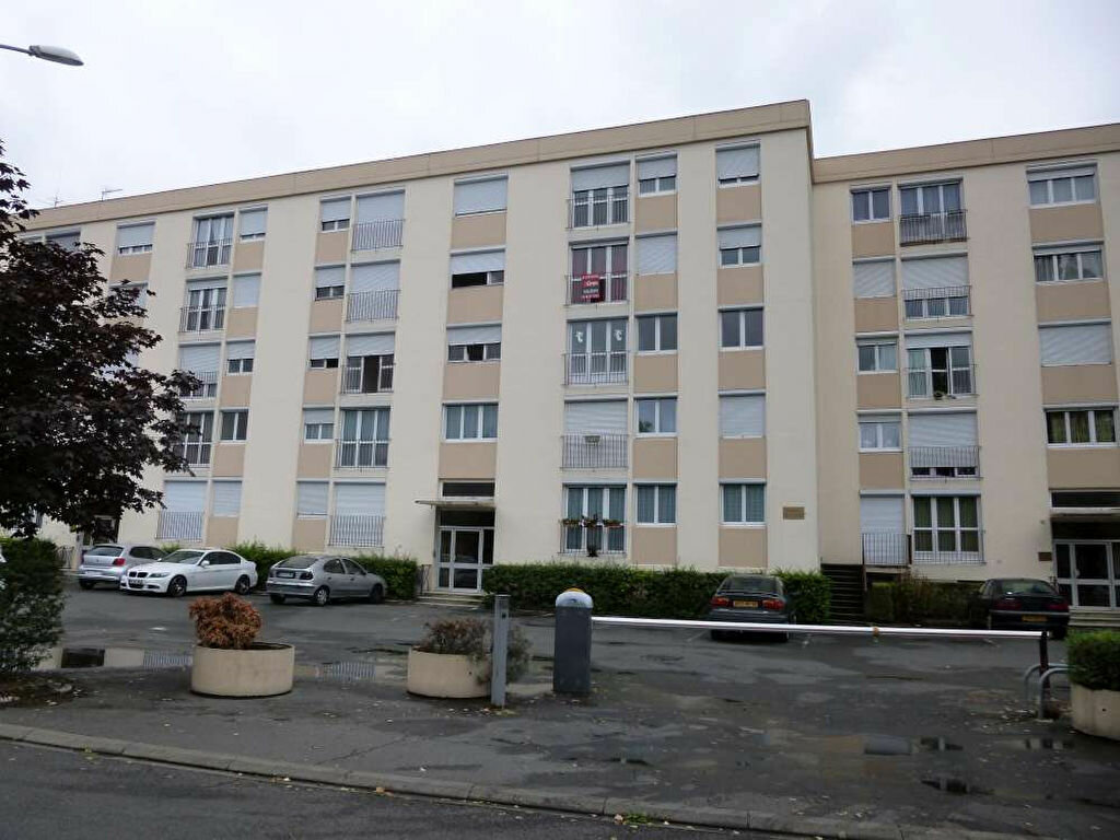 Achat Appartement 5 pièces à Montargis - vignette-1
