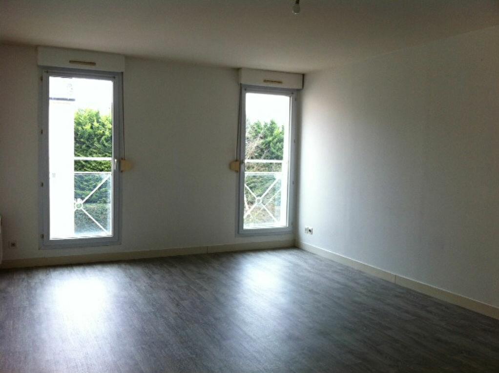 Location Appartement 2 pièces à Baccon - vignette-1