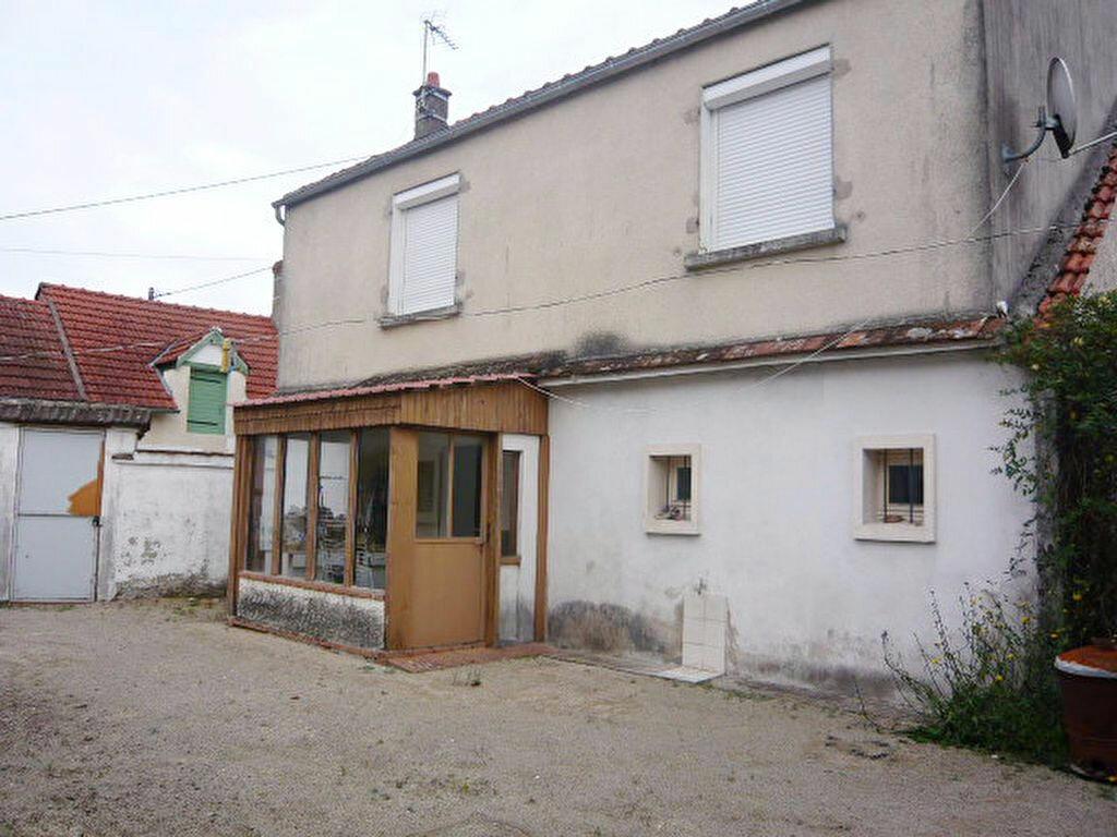 Achat Maison 4 pièces à Meung-sur-Loire - vignette-1