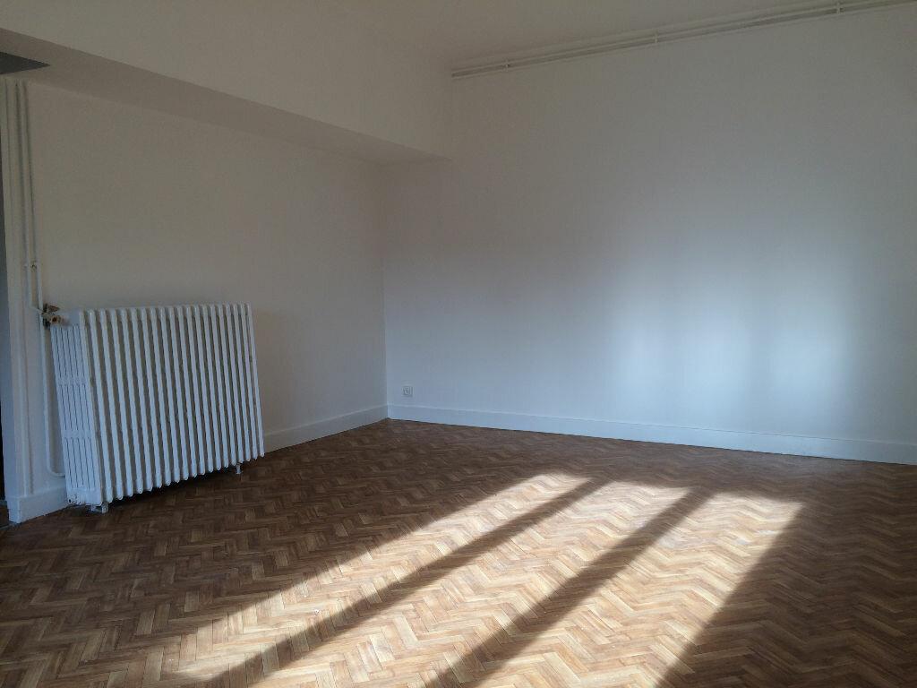 Achat Appartement 3 pièces à Beaugency - vignette-3
