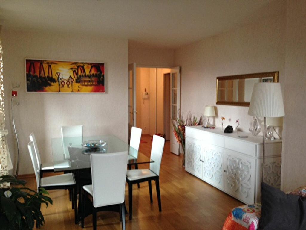 Location Appartement 4 pièces à Blois - vignette-1