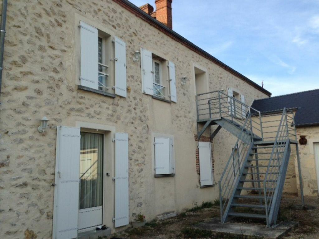 Location Appartement 3 pièces à Lailly-en-Val - vignette-1