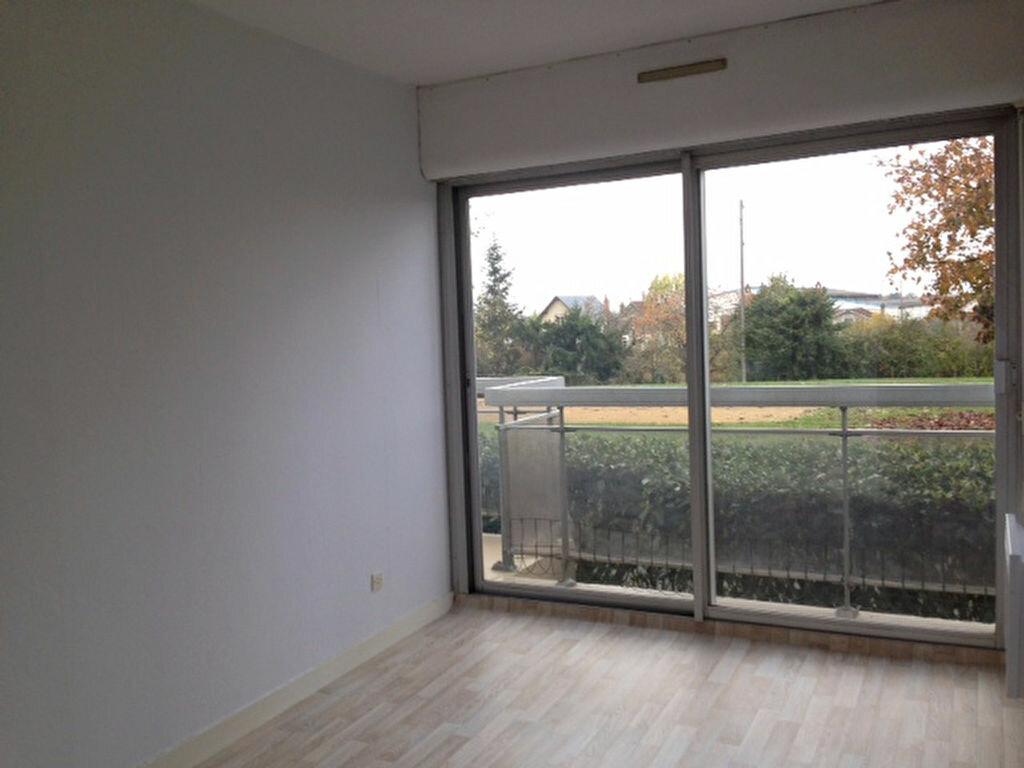 Location Appartement 3 pièces à Beaugency - vignette-3