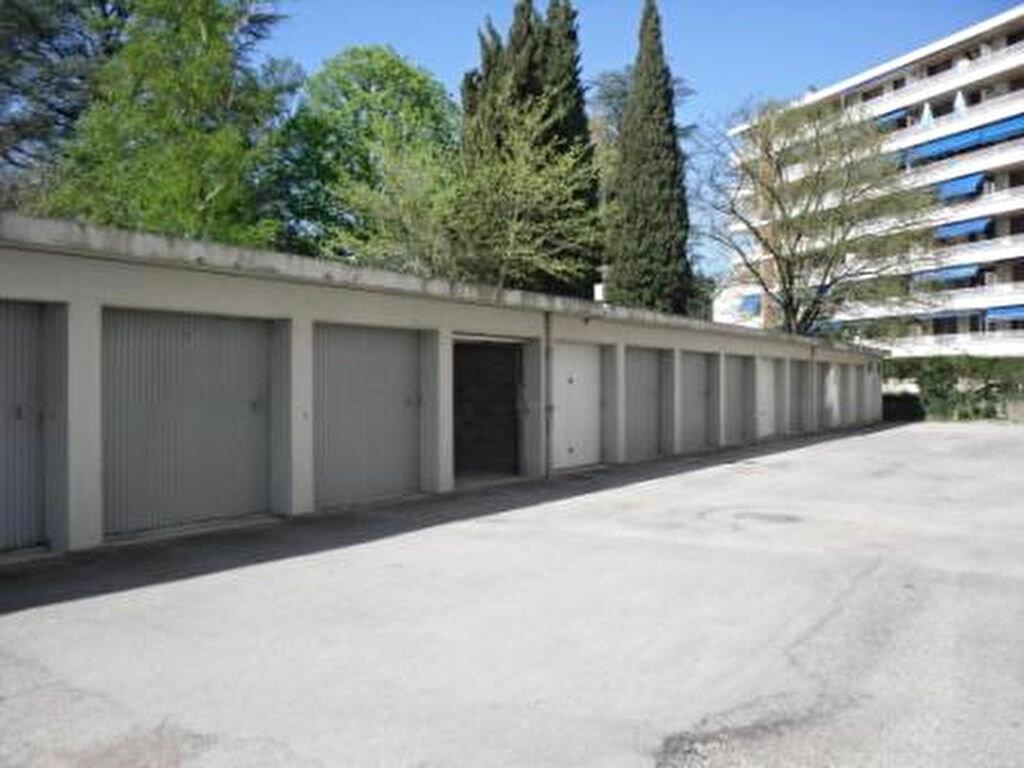 Location Stationnement  à Romans-sur-Isère - vignette-1