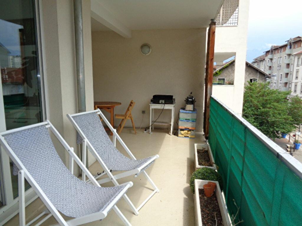 Achat Appartement 4 pièces à Fontaine - vignette-2