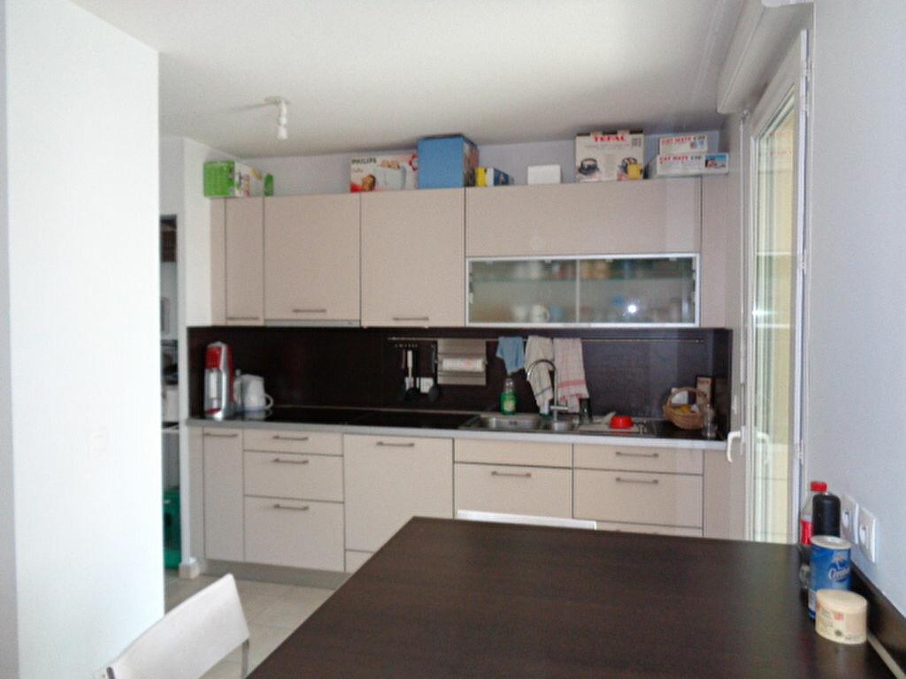 Achat Appartement 4 pièces à Fontaine - vignette-5