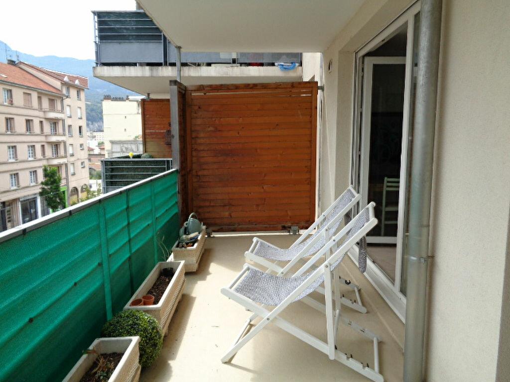 Achat Appartement 4 pièces à Fontaine - vignette-6