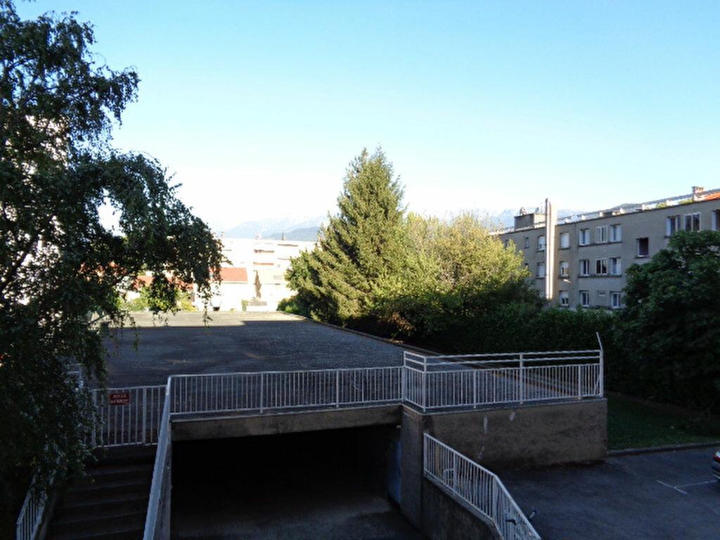 Achat Appartement 4 pièces à Grenoble - vignette-7