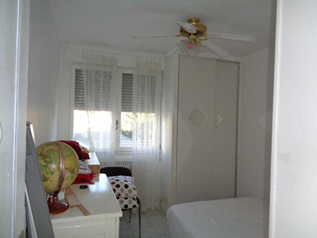 Achat Appartement 4 pièces à Grenoble - vignette-11