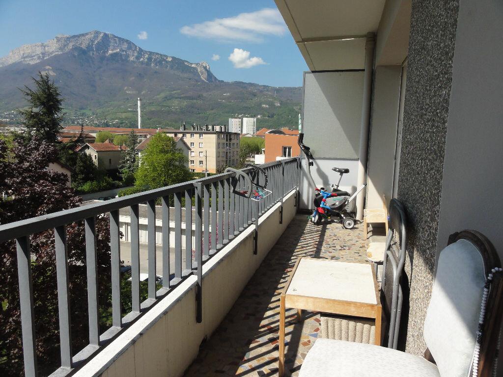 Achat Appartement 3 pièces à Grenoble - vignette-3