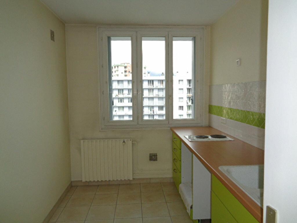 Achat Appartement 1 pièce à Échirolles - vignette-1