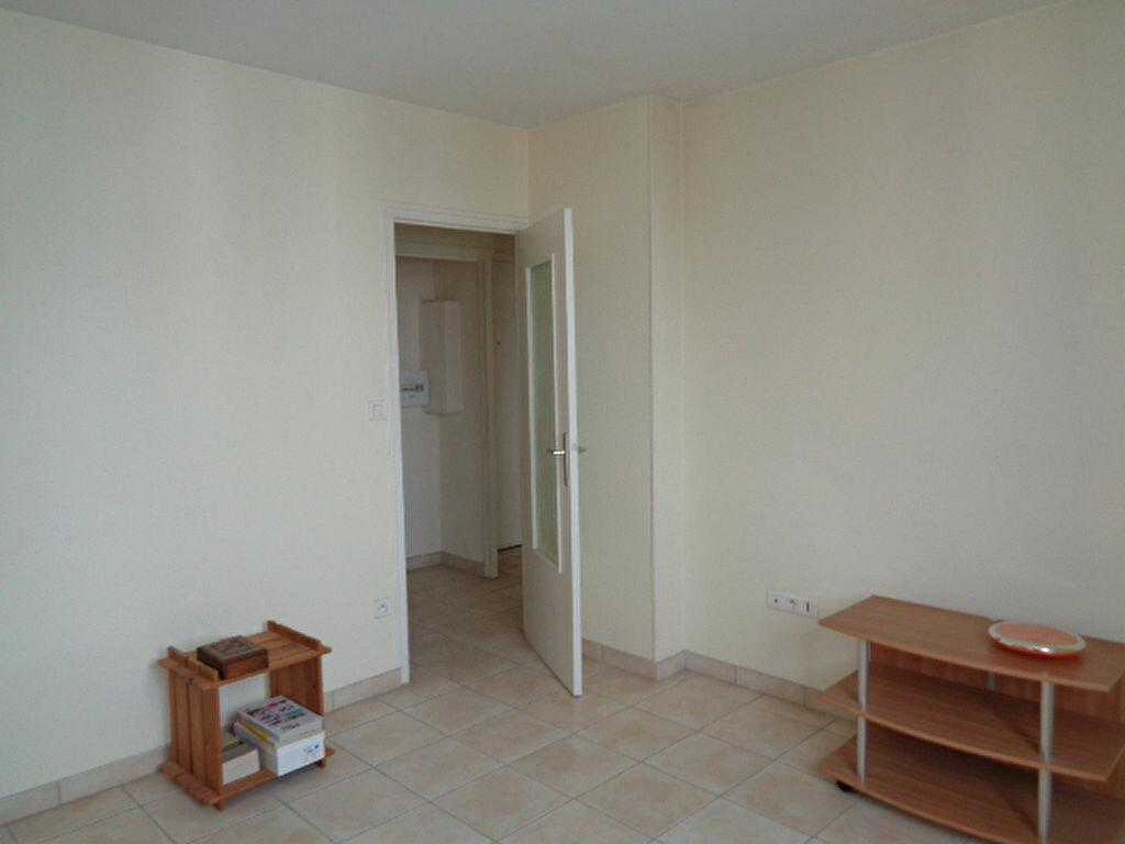 Achat Appartement 1 pièce à Échirolles - vignette-4
