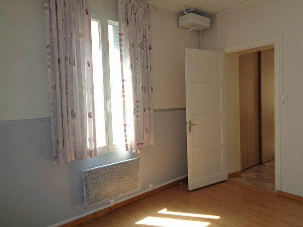 Achat Appartement 3 pièces à Fontaine - vignette-3