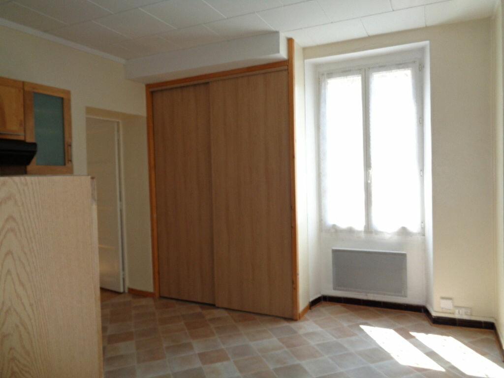 Achat Appartement 3 pièces à Fontaine - vignette-4