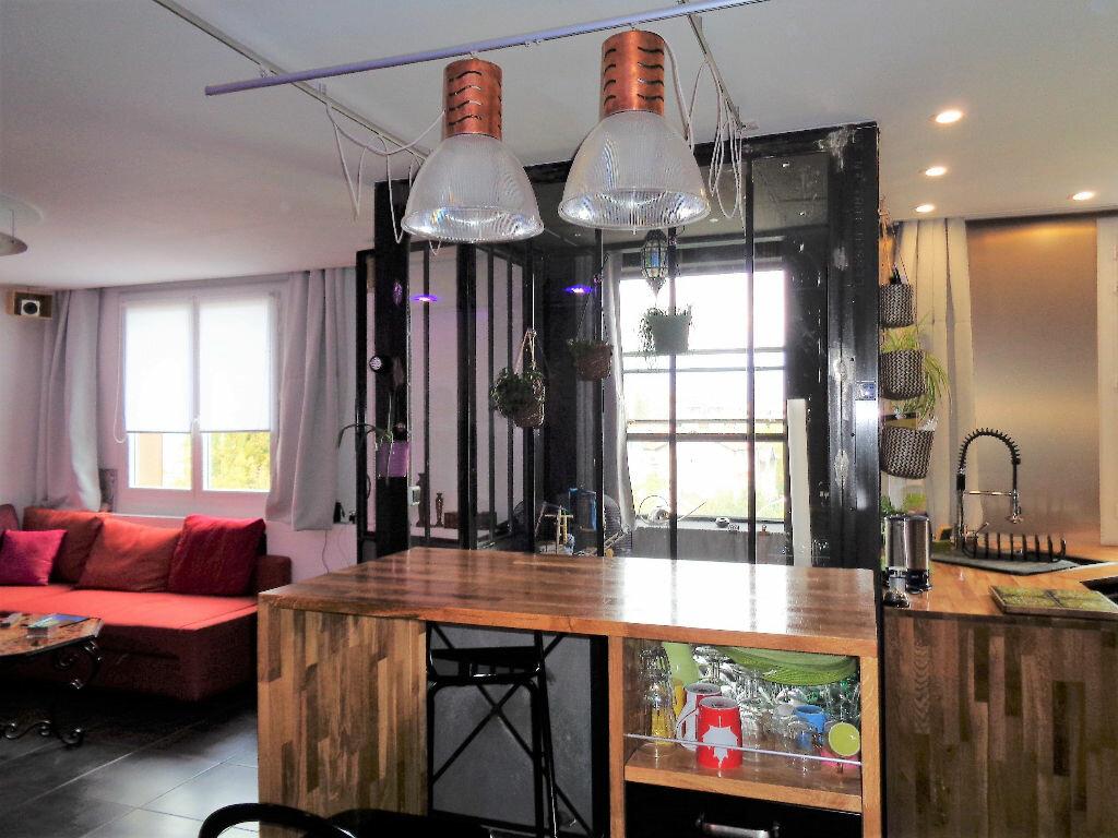 Achat Appartement 3 pièces à Fontaine - vignette-12