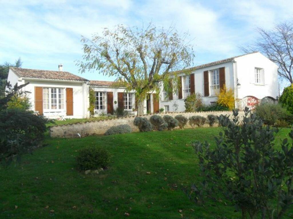 Achat Maison 6 pièces à Pont-l'Abbé-d'Arnoult - vignette-1