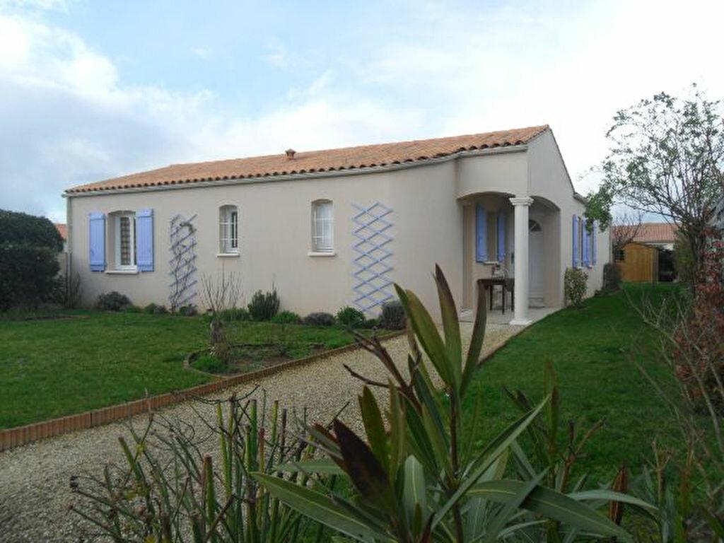Achat Maison 5 pièces à Saint-Agnant - vignette-1