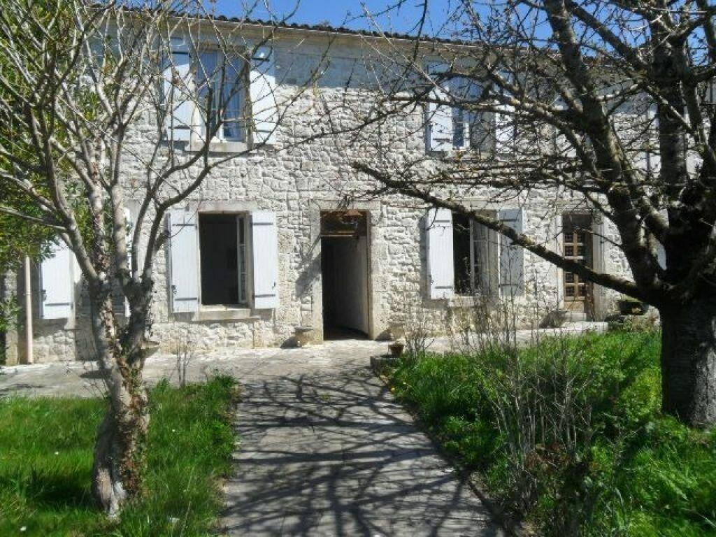 Achat Maison 8 pièces à Saint-Agnant - vignette-1
