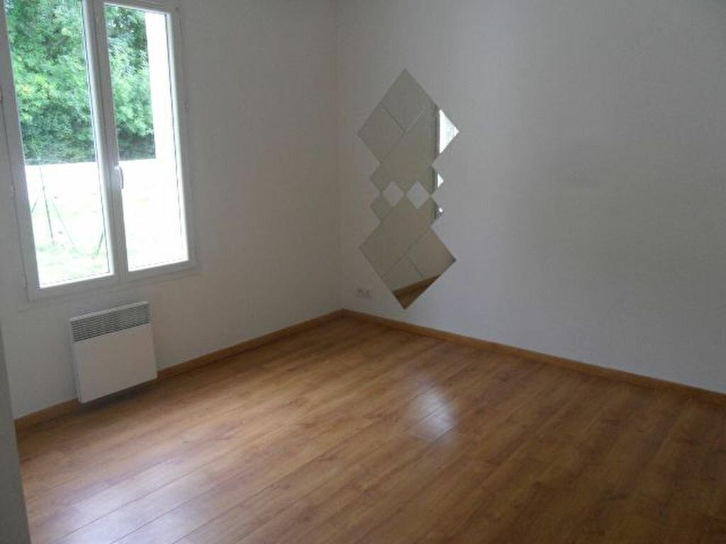 Achat Maison 5 pièces à Saint-Jean-d'Angle - vignette-6