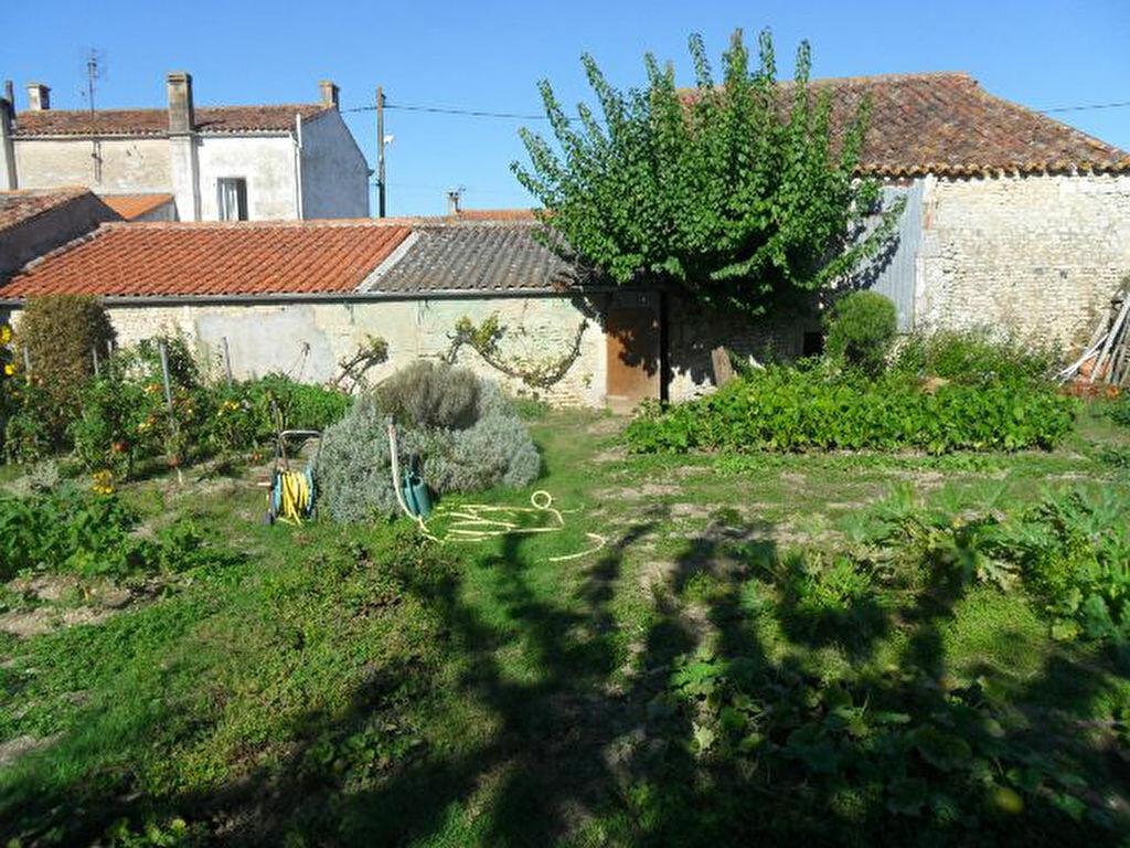 Achat Maison 4 pièces à Saint-Froult - vignette-1