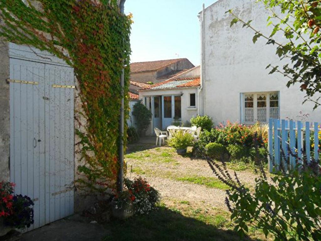 Achat Maison 4 pièces à Saint-Froult - vignette-10