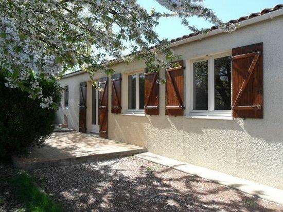Achat Maison 4 pièces à Saint-Agnant - vignette-1