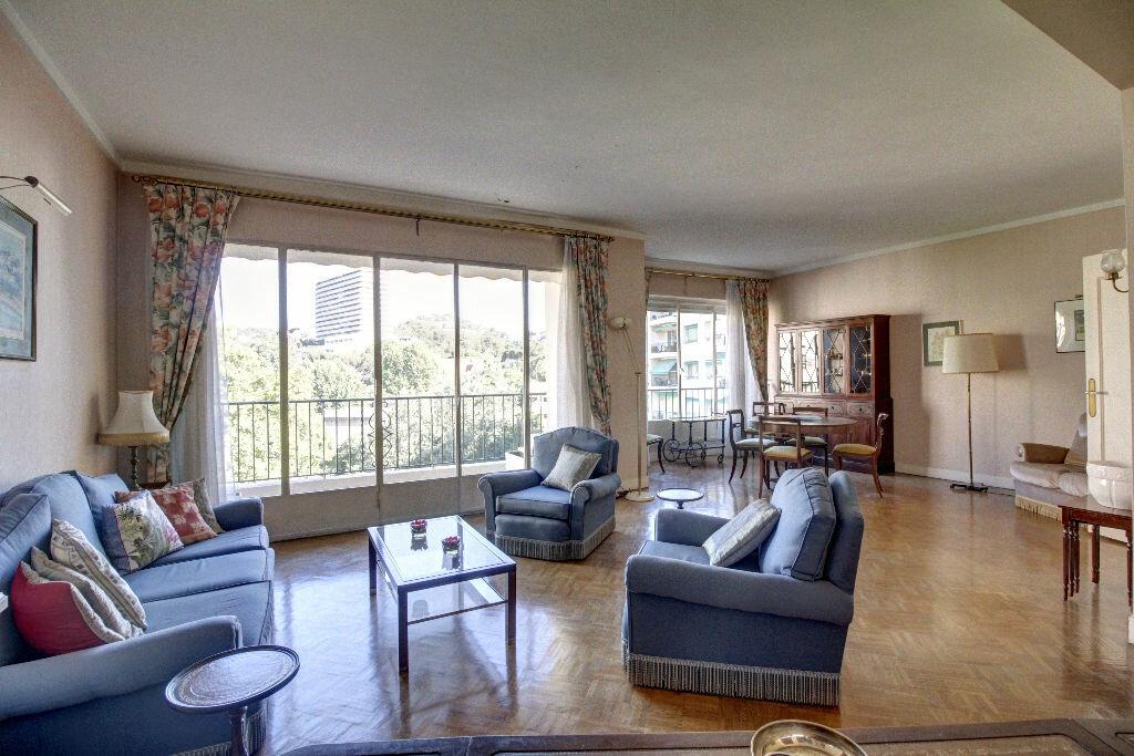 Achat Appartement 5 pièces à Marseille 8 - vignette-1
