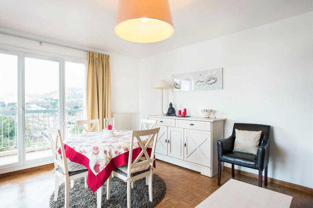 Achat Appartement 4 pièces à Marseille 9 - vignette-3