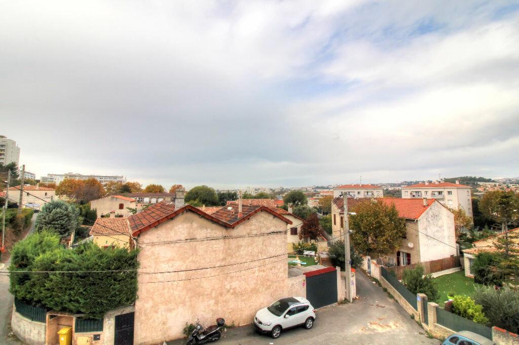 Achat Appartement 4 pièces à Marseille 11 - vignette-3
